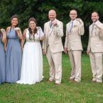Bridal party wears bandages in solidarity with bride who had a broken wrist (Photos)