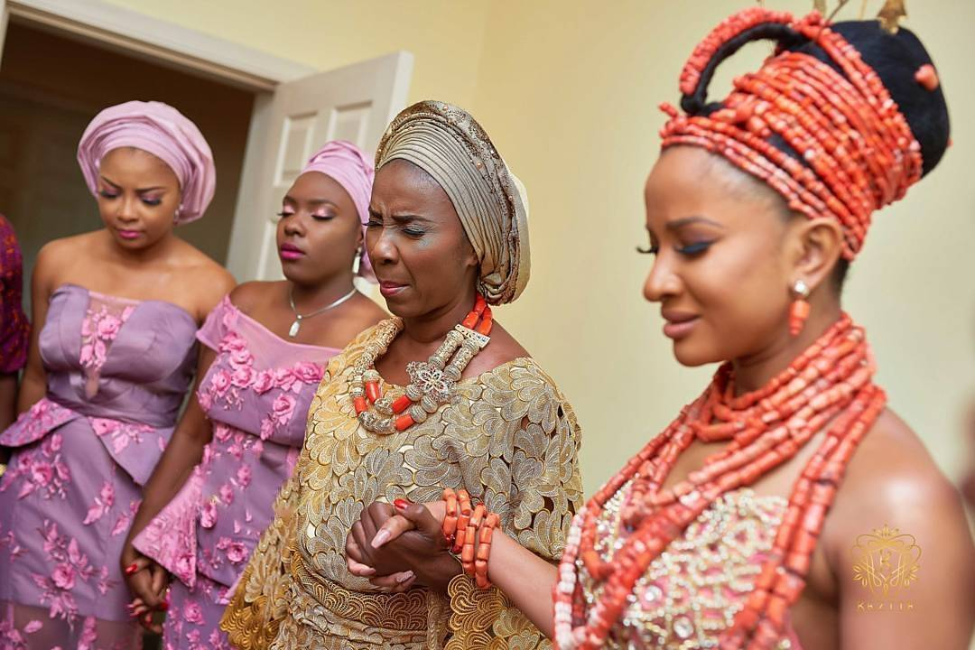 Adesua Etomi pictured holding her mother